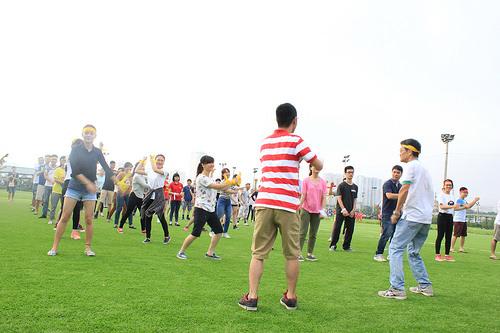 Akira Olympic - Khởi động với màn tập thể dục tập thể