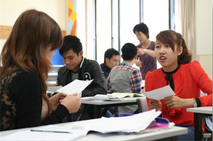 Ở lớp Sơ cấp, các du học sinh khi đi du học Nhật Bản được học các kiến thức căn bản