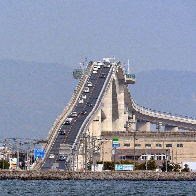 Những cây cầu nổi tiếng Nhật Bản mà du học sinh không thể bỏ qua