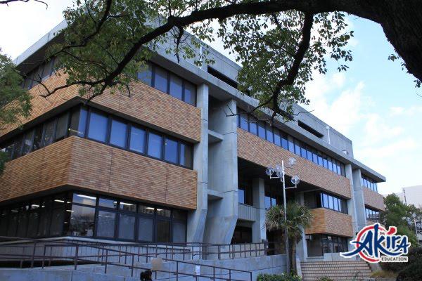 Trường học viện ngôn ngữ quốc tế Osaka