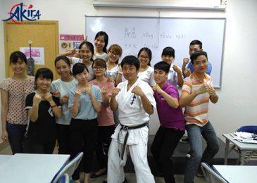 Lớp học Akira chùa Láng